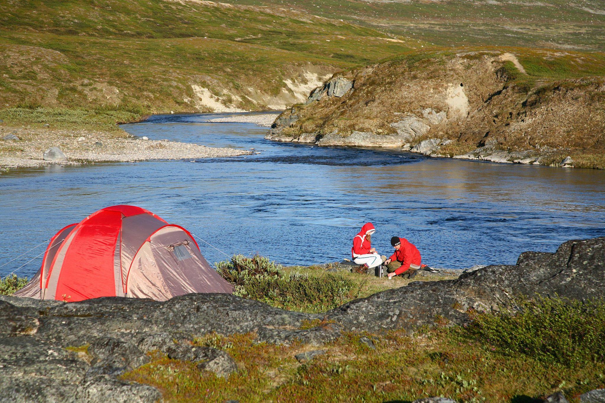 Camping DiscoverMuonio Activities Hiking Photo by Muonion matkailu Kouta Kuva Pauli Hänninen