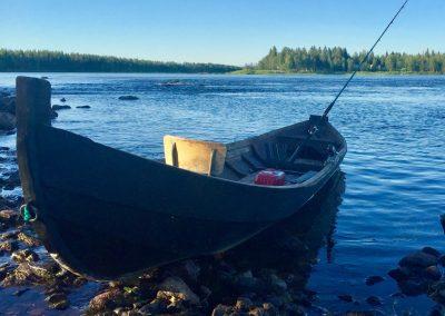 Salmonboat fishing MuonionjokiRiver hunteroftheNorth by LauraHokajarvi