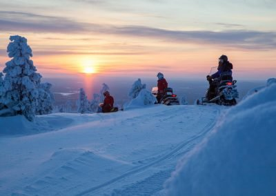 Harriniva Hotels Safaris Snowmobiles