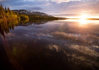 Pallasjärvi illalla Pallas Yllästunturin kansallispuisto Kuva Heikki Sulander RinkkaputkicomMetsähallitus